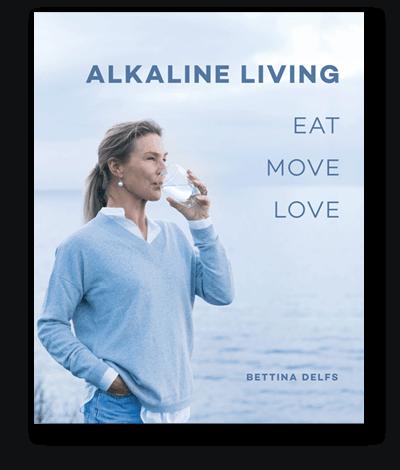 Alkaline Living bog af Betinna Delfs.
