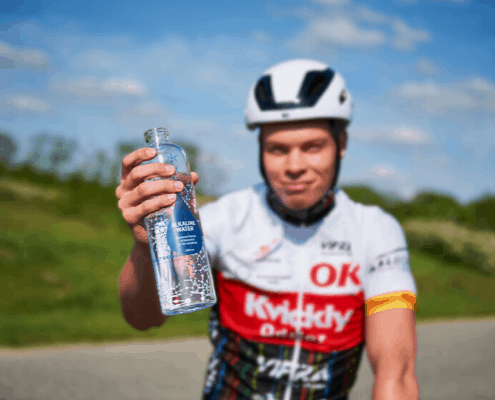 Hurtigere restitution med basisk hydrogenrigt vand
